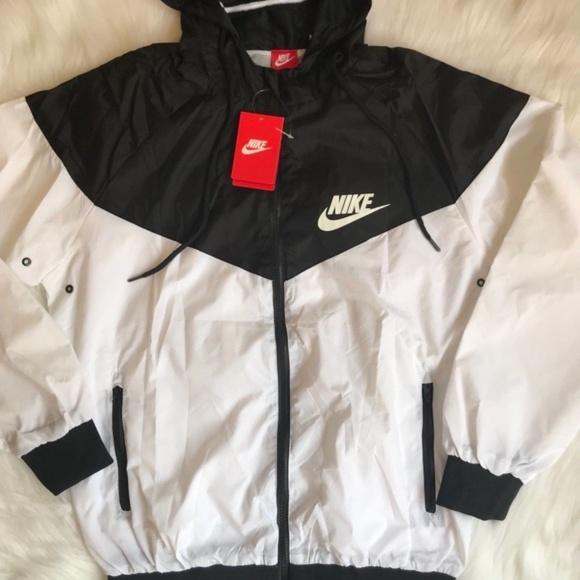 ad10210d03 Nike windbreaker jacket Sz Small Mens-Med Women s